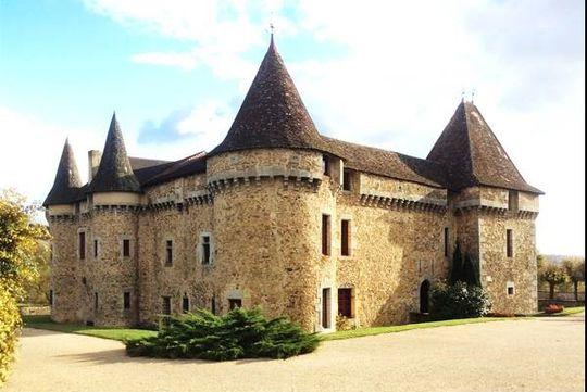 Ch teau p rigord vendre vente de ch teaux p rigord for Meuble chateau fort tunisie