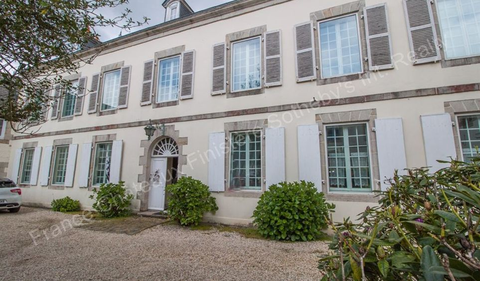 Vente maison de luxe quimperle 583 000 300 m for Piscine quimperle